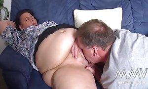 粘免费的视频男人赤裸裸的德国萨尔萨卡甲板上做爱